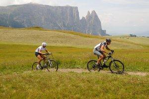 Mountain biking on the Alpe di Siusi 02