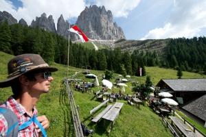 South Tyrolean kitchen 02